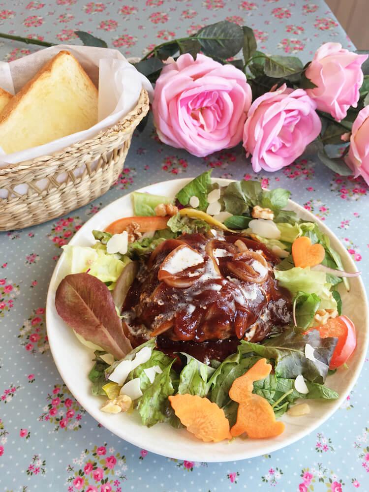 ハンバーグ&トースト by マイペリドットカフェ