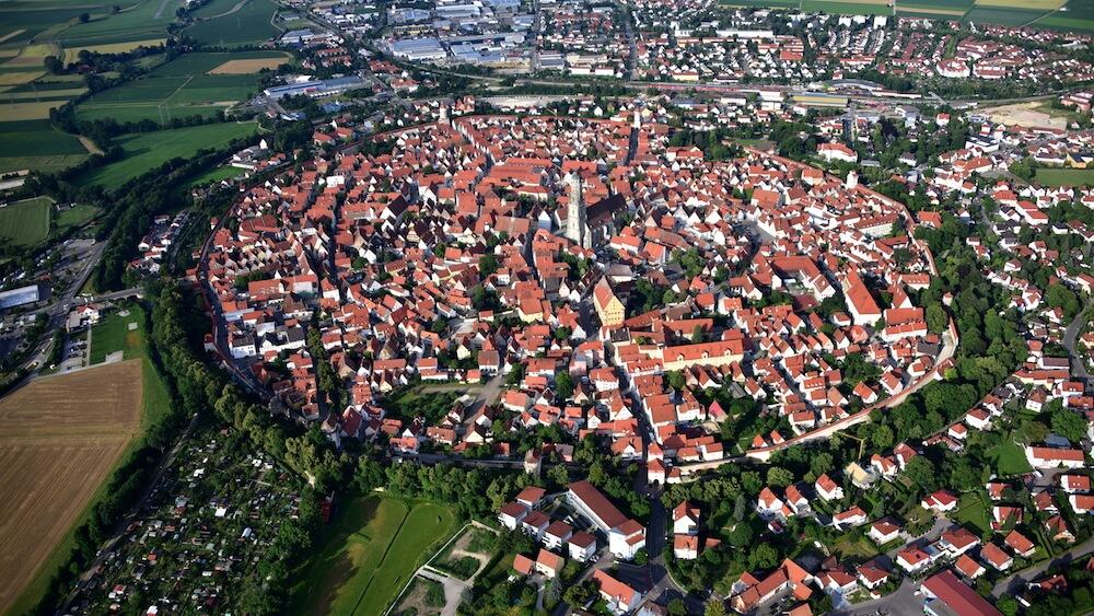 ドイツ・ネルトリンゲンの円形状の町並み(空撮イメージ)