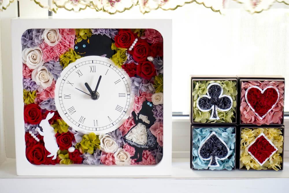 不思議の国のアリスをイメージしたフラワーアレンジメント作品「花時計」「ミニフラワーBOX」 by マイペリドットカフェ