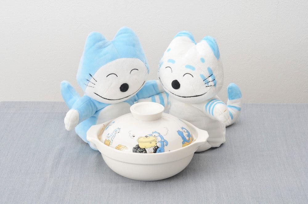 絵本作品「11ぴきのねこ」のイラストがデザインされた土鍋