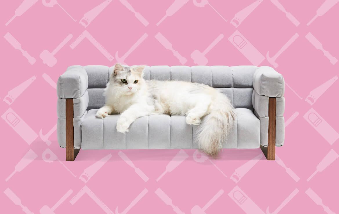 酒見椅子店が制作した猫用のソファ by ネコ家具