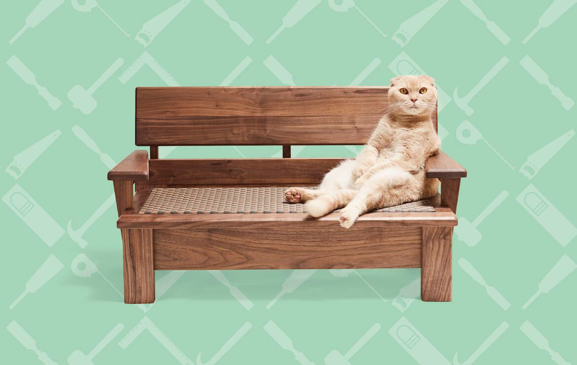 貞苅産業が制作した猫用のソファ by ネコ家具
