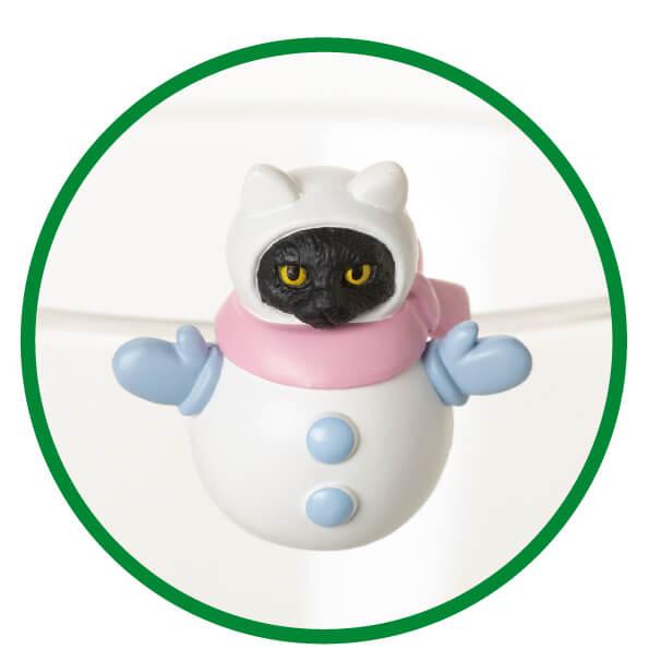 雪だるまに扮した黒猫フィギュア「ふちねこ」 by シャノアール