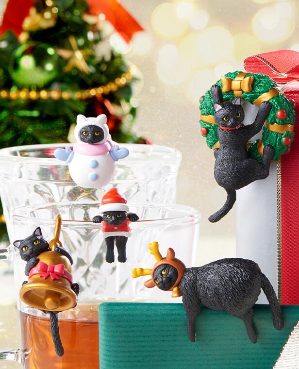 クリスマスバージョンの黒猫フィギュア「ふちねこ」 の使用イメージ