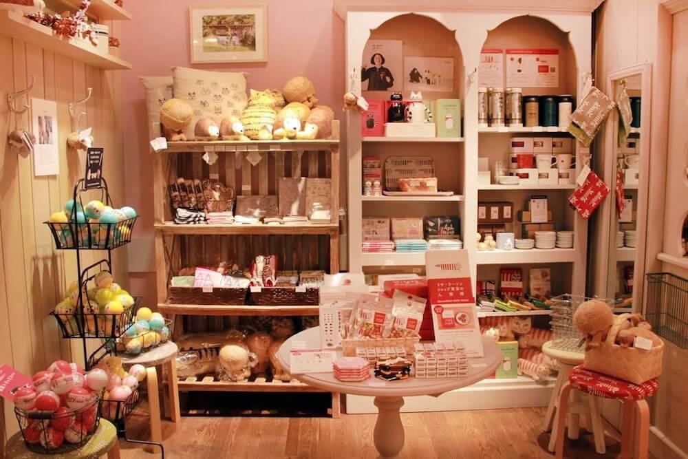 リサ・ラーソンのグッズ販売スペース by LISA LARSON Fika TOKYO