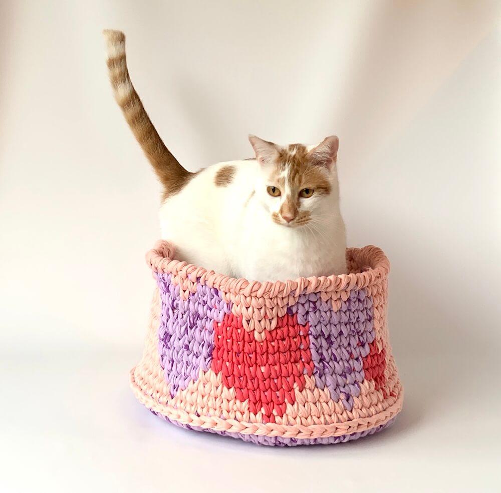 にゃんこまつりで販売されるトルコ風猫ベッド