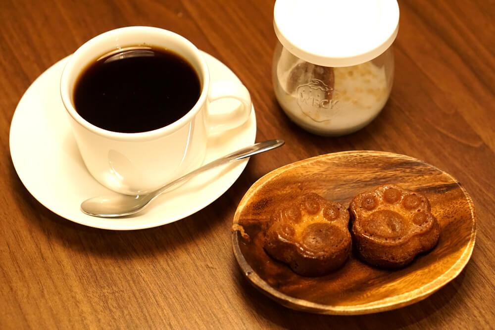 にくきゅうカヌレセット by SAVE CAT CAFE(セーブキャットカフェ)