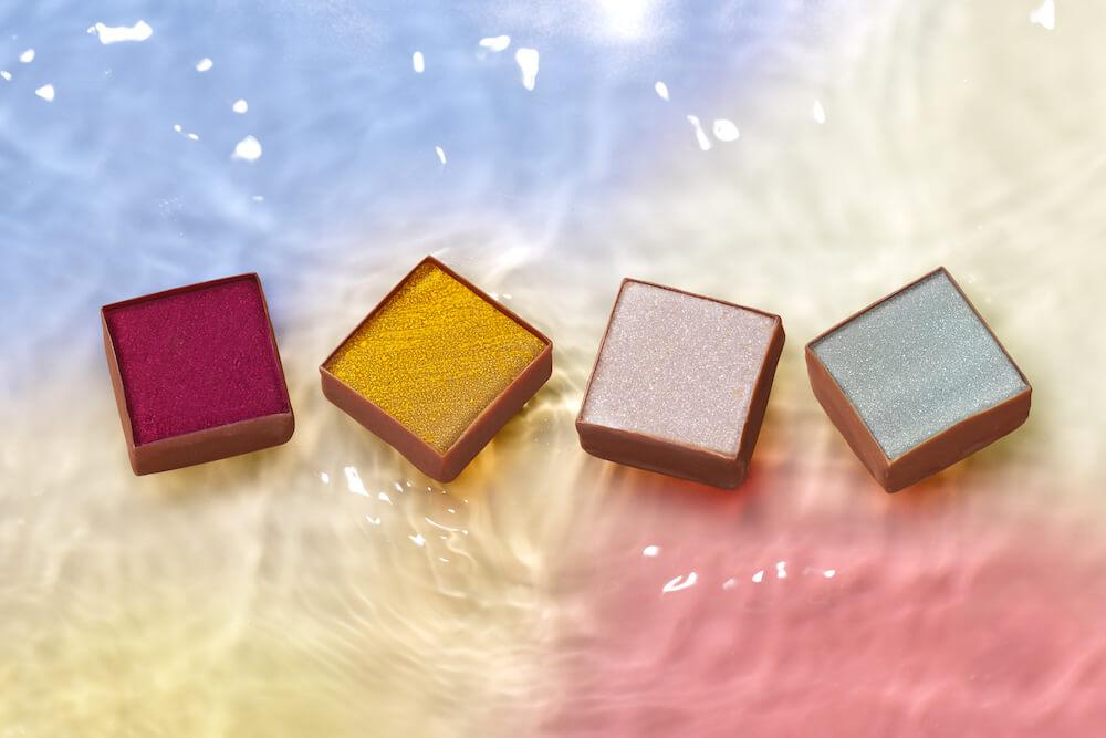 東京の空を映す水面を表現したチョコレート「みなも」 by トーキョーチョコレート