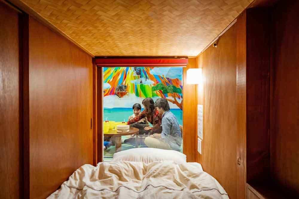 猫が見れるホテル「ねこ旅籠(ねこはたご)」の1人用部屋の室内イメージ