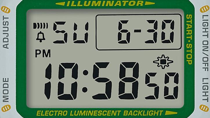 腕時計のフェイス部分に小判がデザインされたG-SHOCK(ジーショック)の招き猫モデル「MANEKINEKO(まねきねこ)」DW-5600TMN-7JR ホワイトカラー