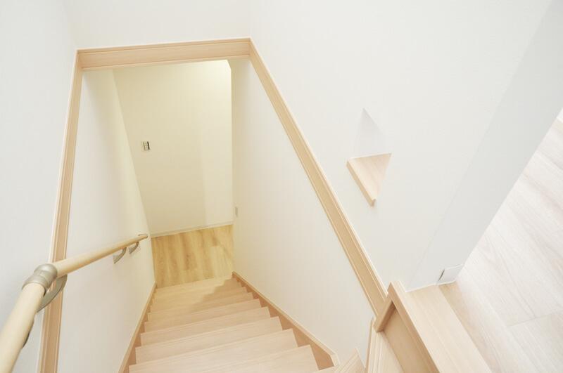 猫仕様のテラスハウス「ワコーレヴィアーノ高丸 猫の家」の階段イメージ