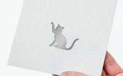 猫ちゃんの幸せも手軽にお祈りできる!貼る神棚シリーズから動物版の「アニマルズ」が登場
