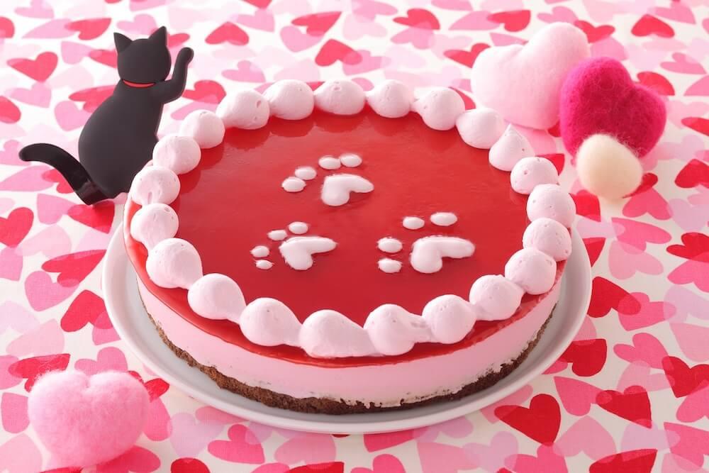 猫スイーツ「ピンクの肉球にゃ!いちごのムース」 by スイパラ