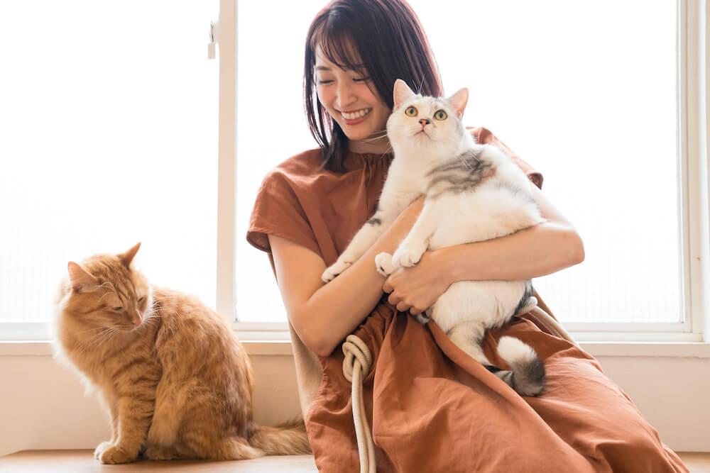 岡本玲さん、愛猫の「おかか」「とろろ」