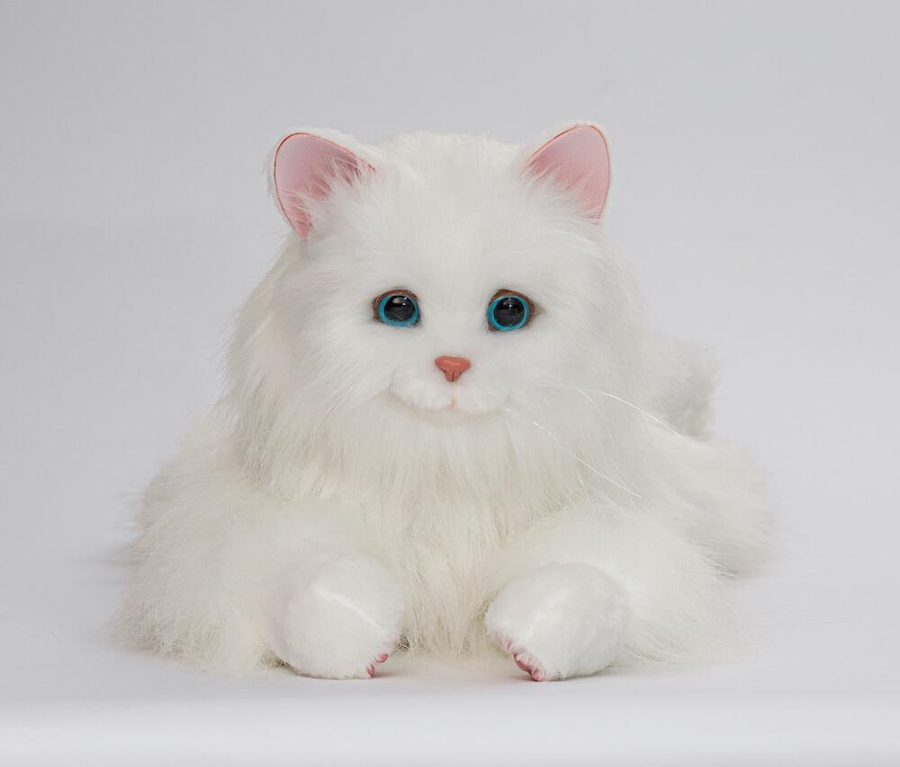 猫型ペットロボット「しっぽふりふり あまえんぼうねこちゃん」正面イメージ