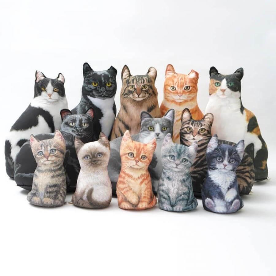 リアルなアメリカ製の猫型ドアストッパー