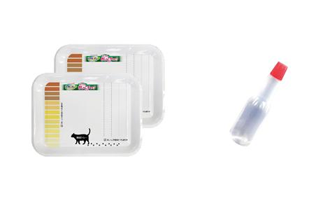 猫用「おうちでおしっこチェックキット」の採尿トレーと採尿スポイト