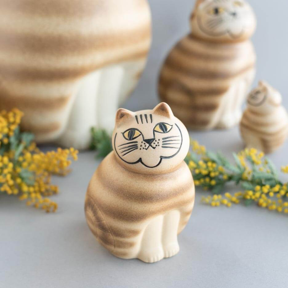 上を向いた猫の陶器オブジェ「Mia(ミア)」