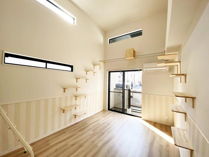 猫と暮らす賃貸住宅「ワコーレヴィアーノ垂水城が山 猫の家」の洋室イメージ