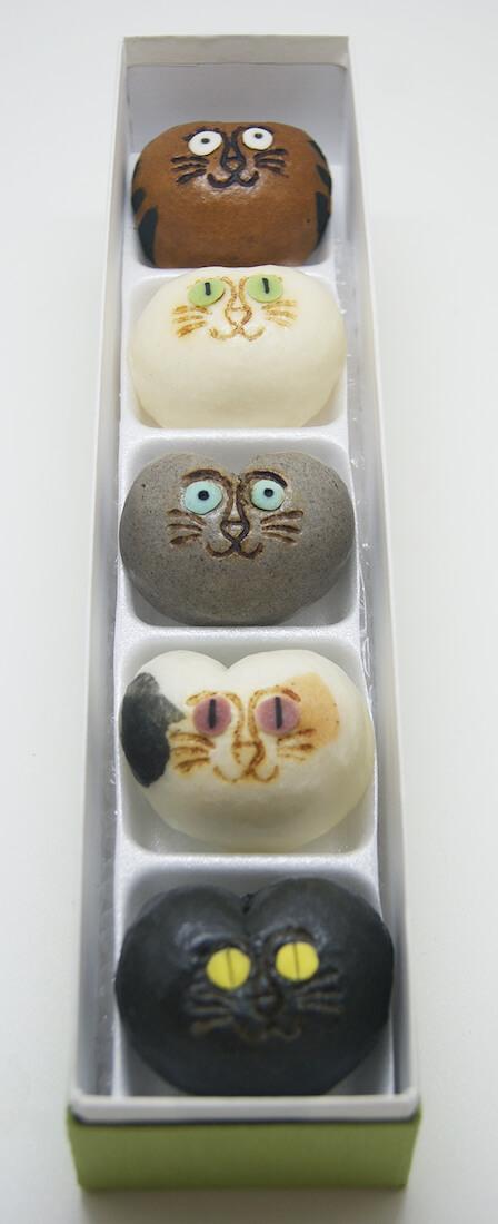 猫型のおまんじゅう「招福猫子(しょうふくねこ)まんじゅう」のパッケージ