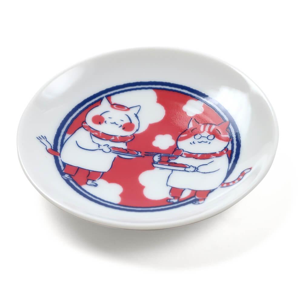 猫マンガ「トラとミケ」のイラストがデザインされた豆皿