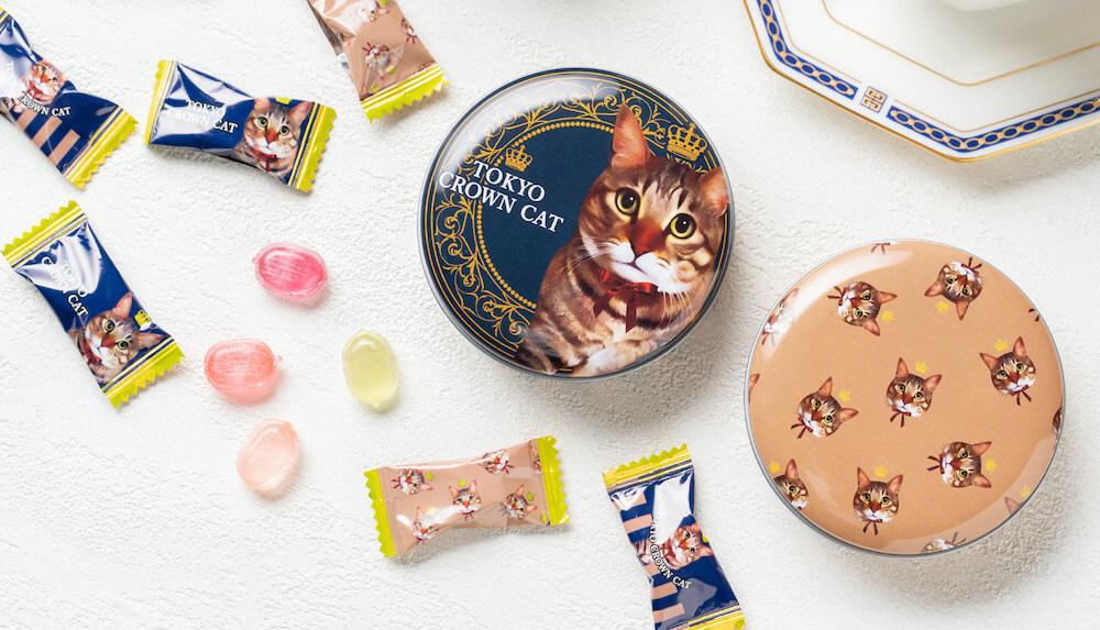 TOKYO CROWN CAT(トウキョウ クラウン キャット)のキャンディ「プティスウィートキャンディ」の缶と中身のキャンディ
