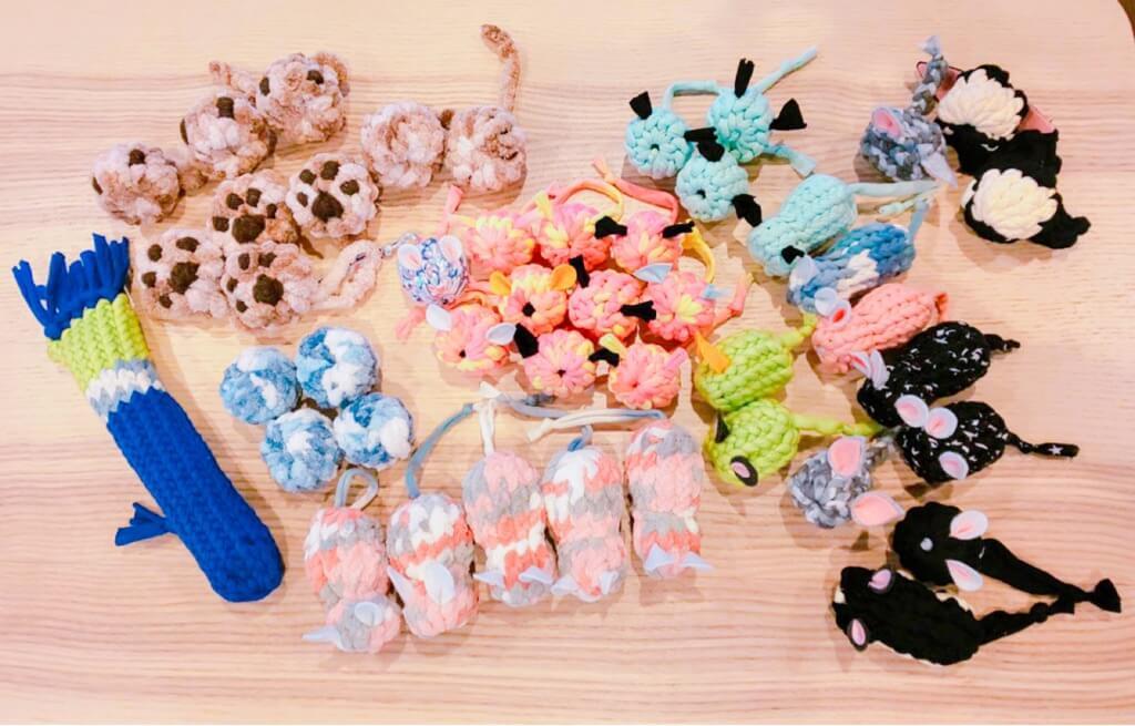 猫雑貨作家グループ「neko holic」による猫用のおもちゃ
