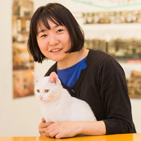 猫タワマンのアドバイザーを務めた一級建築士兼猫シッターのいしまるあきこさん