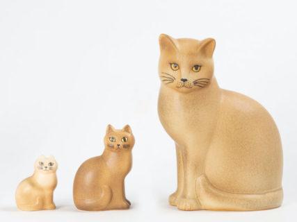 お気に入りの猫の陶器作品と出会えるニャ!特集企画「あなたのためのリサ・ラーソン」実施中