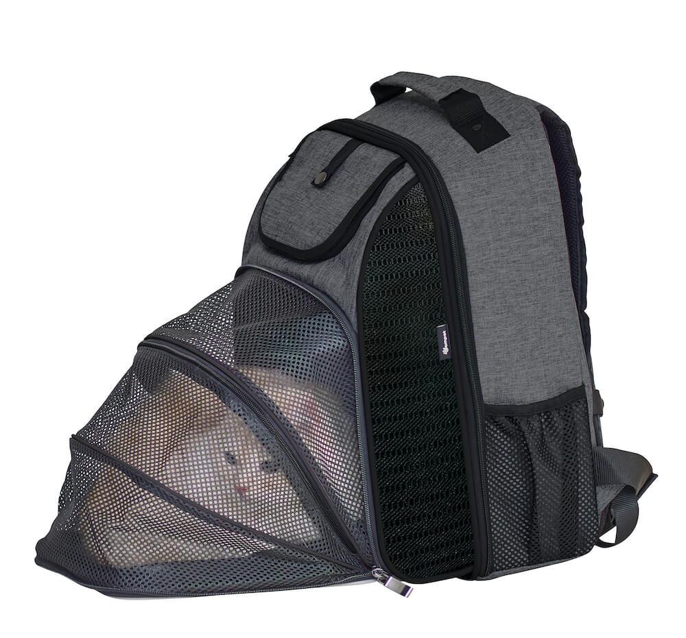 ペット用リュック「バックパック パエナ クール」を猫ハウスに変形して使用したイメージ