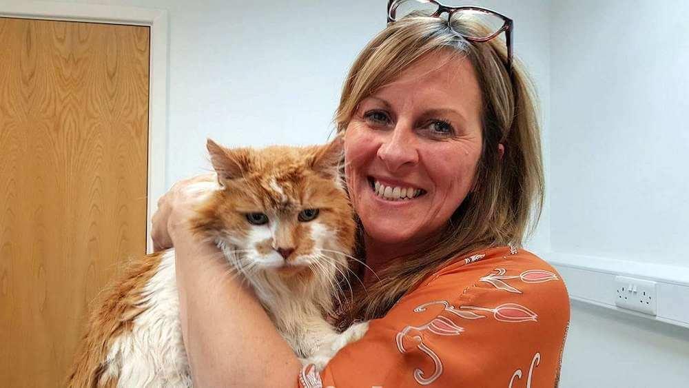 現役最高齢の猫だった「ラブル(Rubble)」と飼い主の女性ミシェル・ヘリテージさん