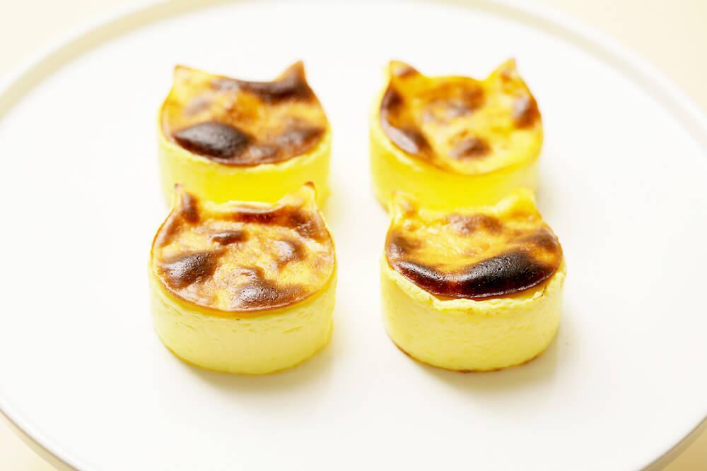 小さな猫型のバスク風チーズケーキ「「にゃんチー」 by ねこねこチーズケーキ