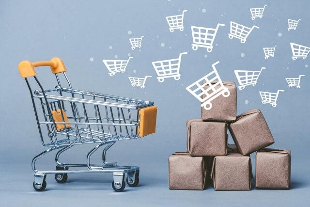 ネットショッピングとダンボールのイメージ写真