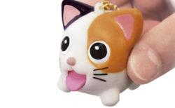 指でつまむとベロが飛び出てくる♪スクイーズおもちゃ「たまペロ」から三毛猫&茶トラが登場