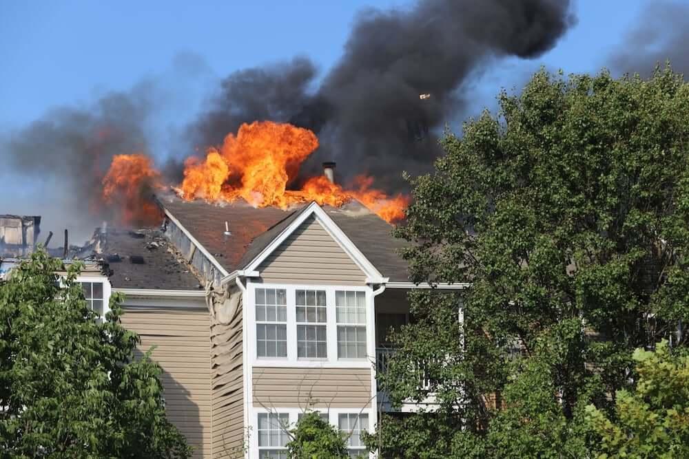 アメリカ合衆国メリーランド州ハワード郡で起こった火災の様子