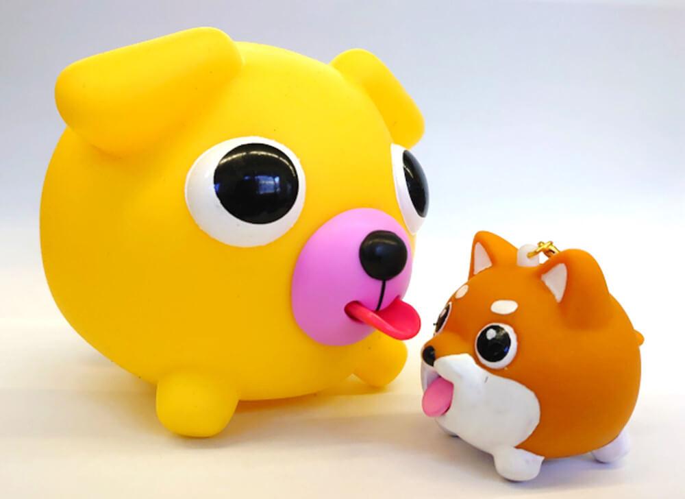スクイーズ玩具「おしゃべりどうぶつボール」と「たまペロ」のサイズ比較