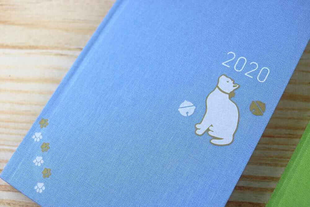 猫デザインの布用転写シールを手帳に貼り付けたイメージ by irodo(イロド)
