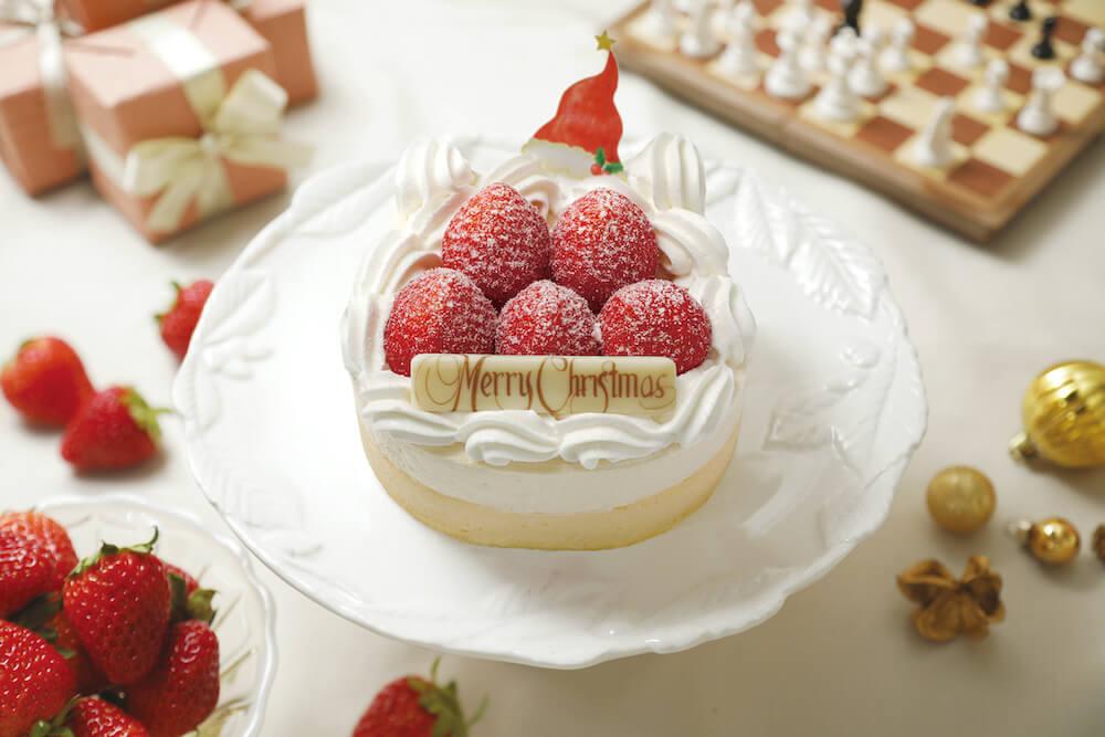 いちごが乗った猫型のクリスマスケーキ「XmasねこねこWチーズケーキ」 by ねこねこチーズケーキ