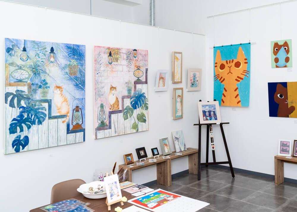 猫をテーマにした絵画展「CAT WEEK(キャットウィーク) 2019」の開催風景