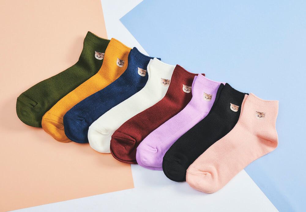 猫のヌネットがワンポイントでデザインされた靴下(全8色) by PAUL & JOE(ポールアンドジョー)
