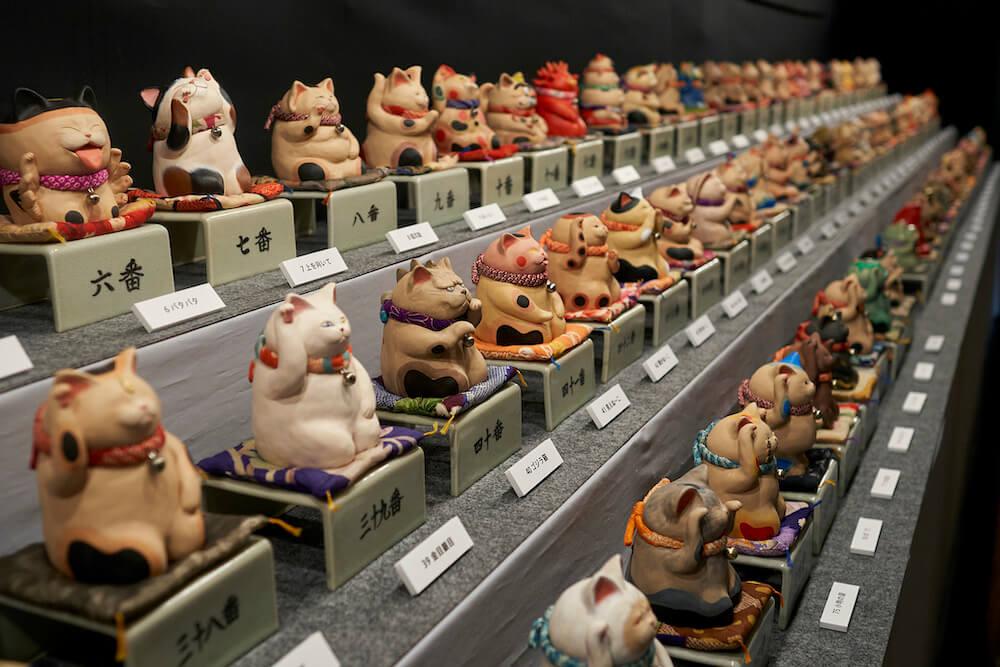 千の福ねこアート展at百段階段の猫作品展示イメージ