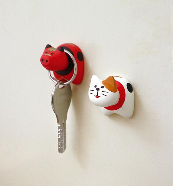 「赤べこ」と「猫べこ」の壁フック「フックべこ」
