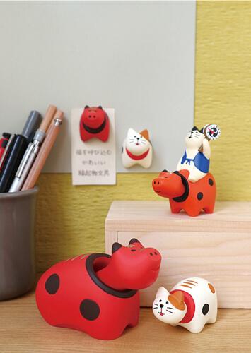 「赤べこ」と猫をモチーフにした「猫べこ」文具グッズイメージ