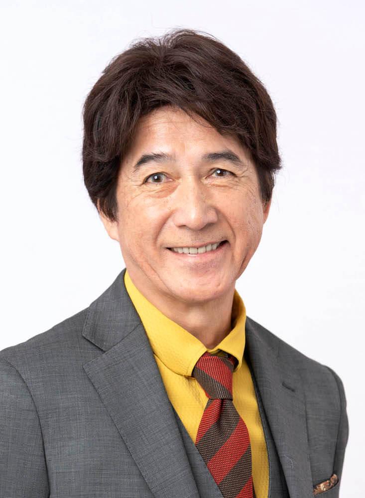 俳優の草刈正雄さんの正面写真、近影イメージ
