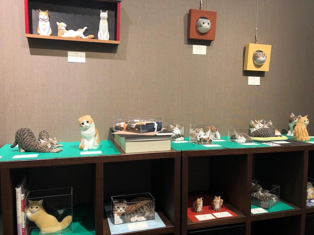 翠波画廊で開催されている「猫展」展示風景イメージ2