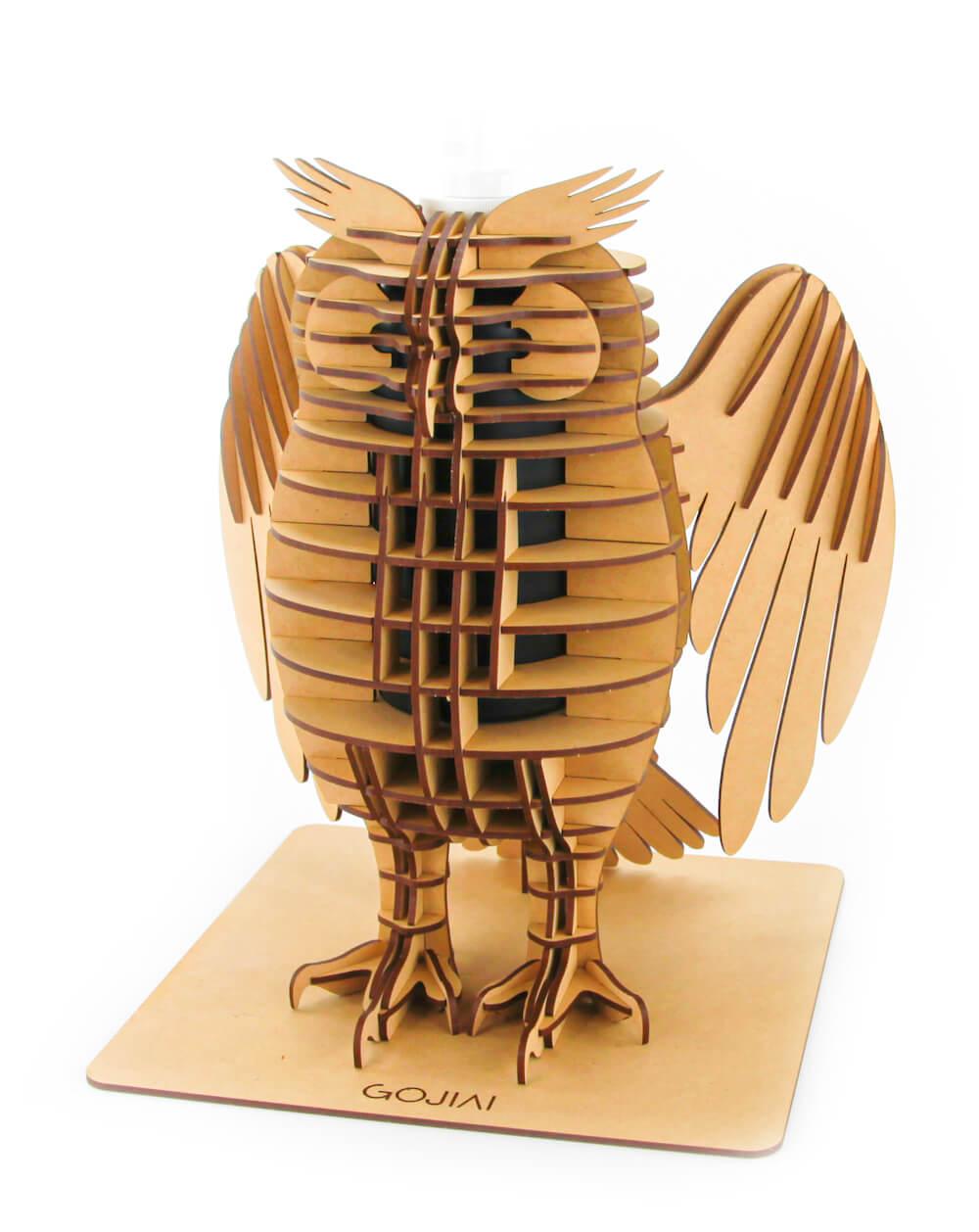 フクロウ型の消毒スプレーボトルホルダー、羽を閉じたデザイン