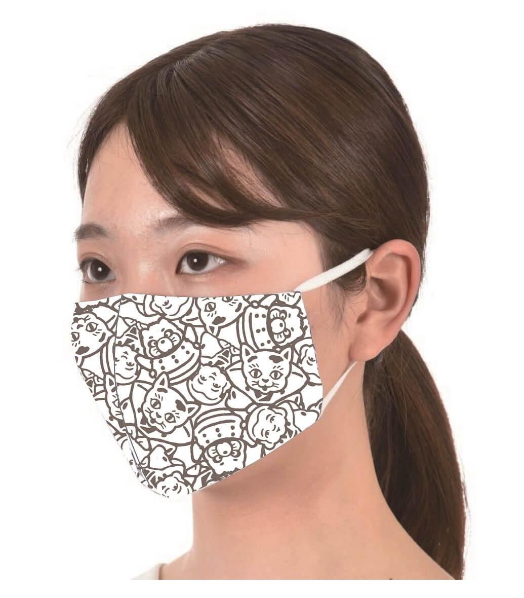 足袋職人がつくったマスク「平成狸合戦ぽんぽこ」柄の装着イメージ
