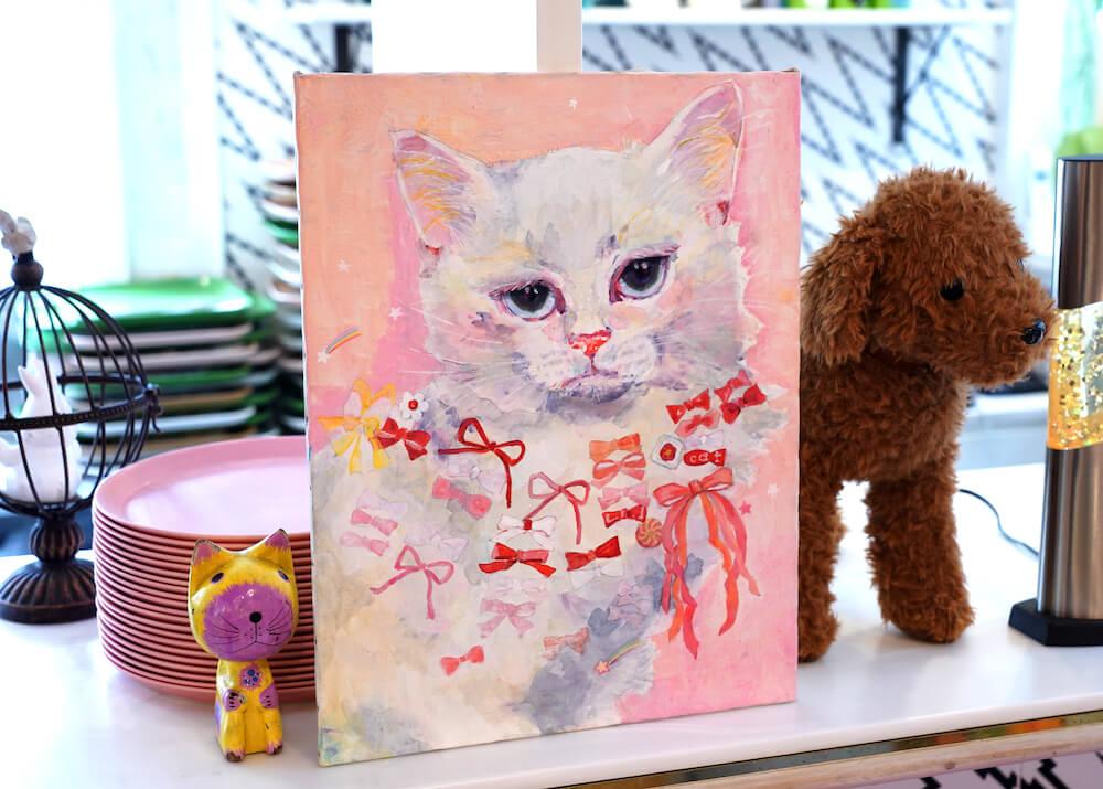 リボンをたくさんあしらった猫の絵 by YUMIMPO*(ゆみんぽ)