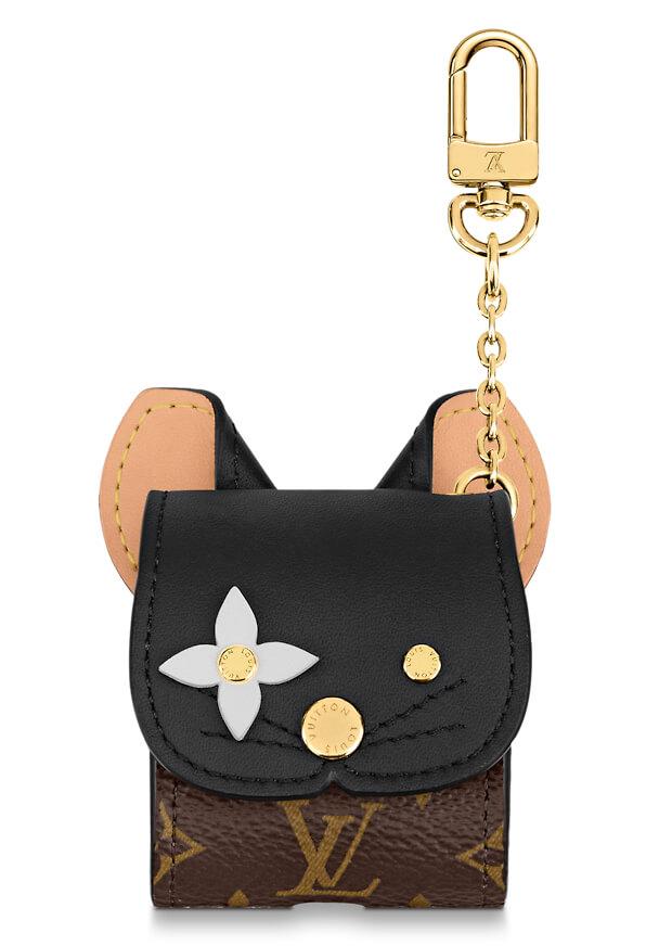 ルイ・ヴィトンから発売された黒猫をモチーフにしたイヤホン(AirPods)ケース