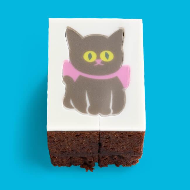 猫をモチーフにした型抜きバウムクーヘン「ショコラねこ(ガトーショコラ)」型抜き前イメージ
